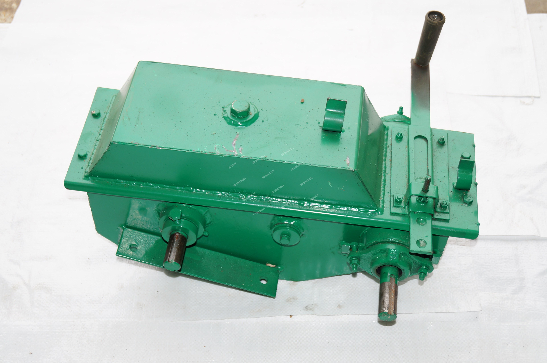 Редуктор самохода двухступенчатый (метал. корпус)(ЗПС-100,ЗМ-60)