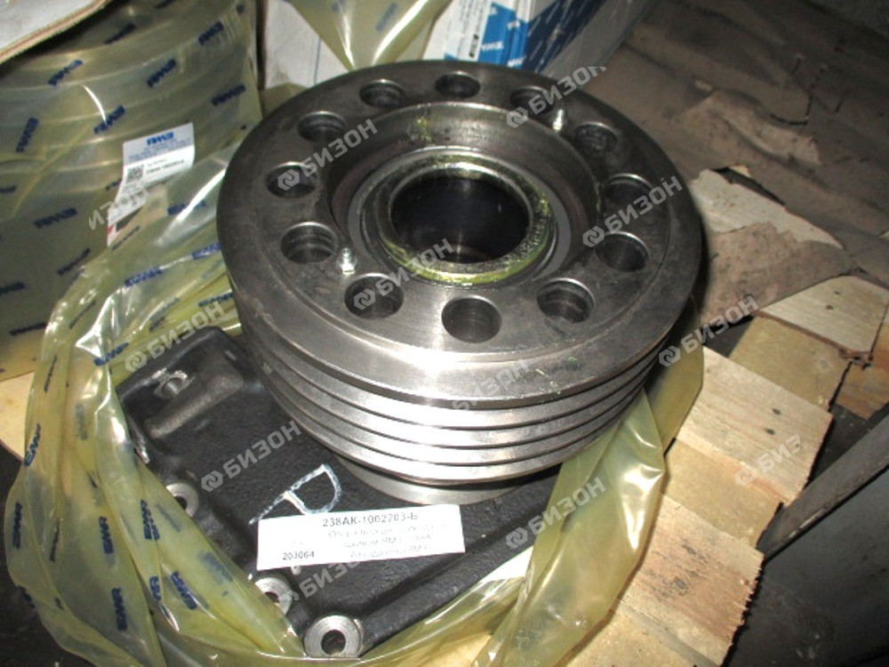 Опора передн. привода со шкивом ЯМЗ-238АК